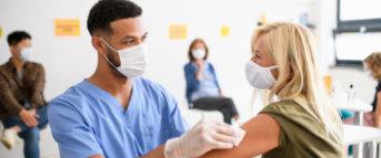 Kita-Beschäftigte rücken in Impfpriorisierung auf